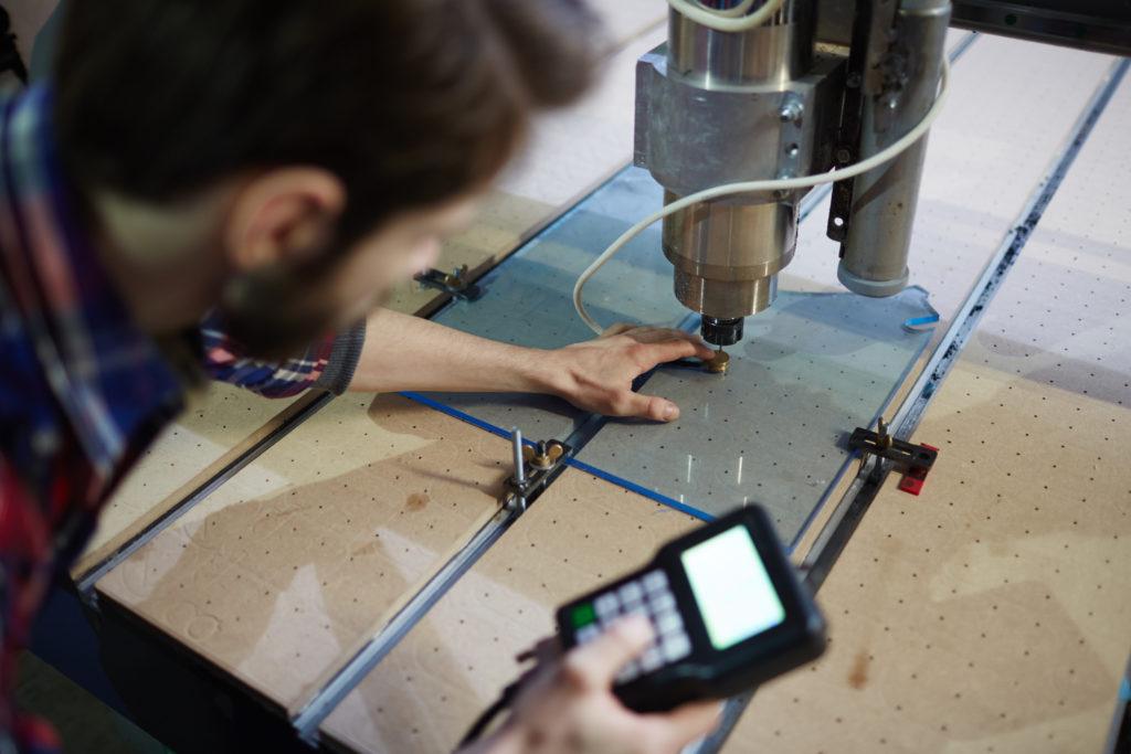 usługi CNC szklo, wycinanie szkła, szklarz Przeźmierowo, Duszniki, Wilczyna